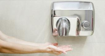 Uscătoarele de mâini, un pericol pentru sănătate