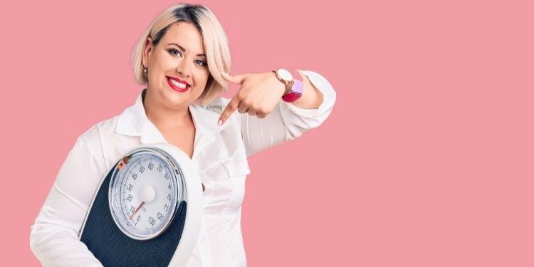 perimenopauză, schimbări hormonale, creşterea în greutate, estrogen, hormoni,