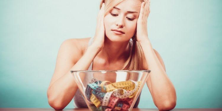 somnul, pierderea în greutate, greutate, somn, hormon, leptina, grelina, somnul insuficient, insulină,